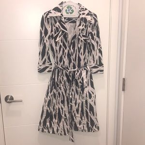 DVF Black and white geometric wrap-dress w/pockets